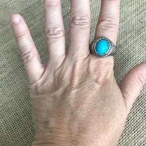 Vintage size 8 turquoise color silver tone ring